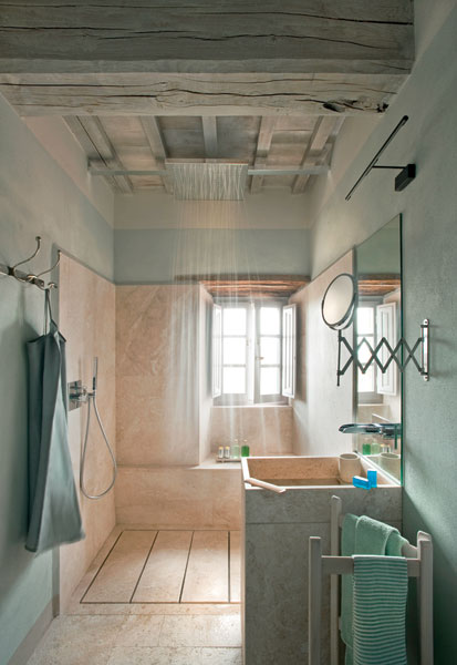 A shower at Monteverdi