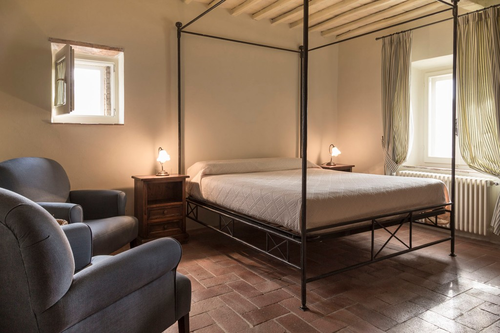 bedroom colors to make it look bigger gaiole in chianti tuscany italy arlene gibbs d 233 cor 21017