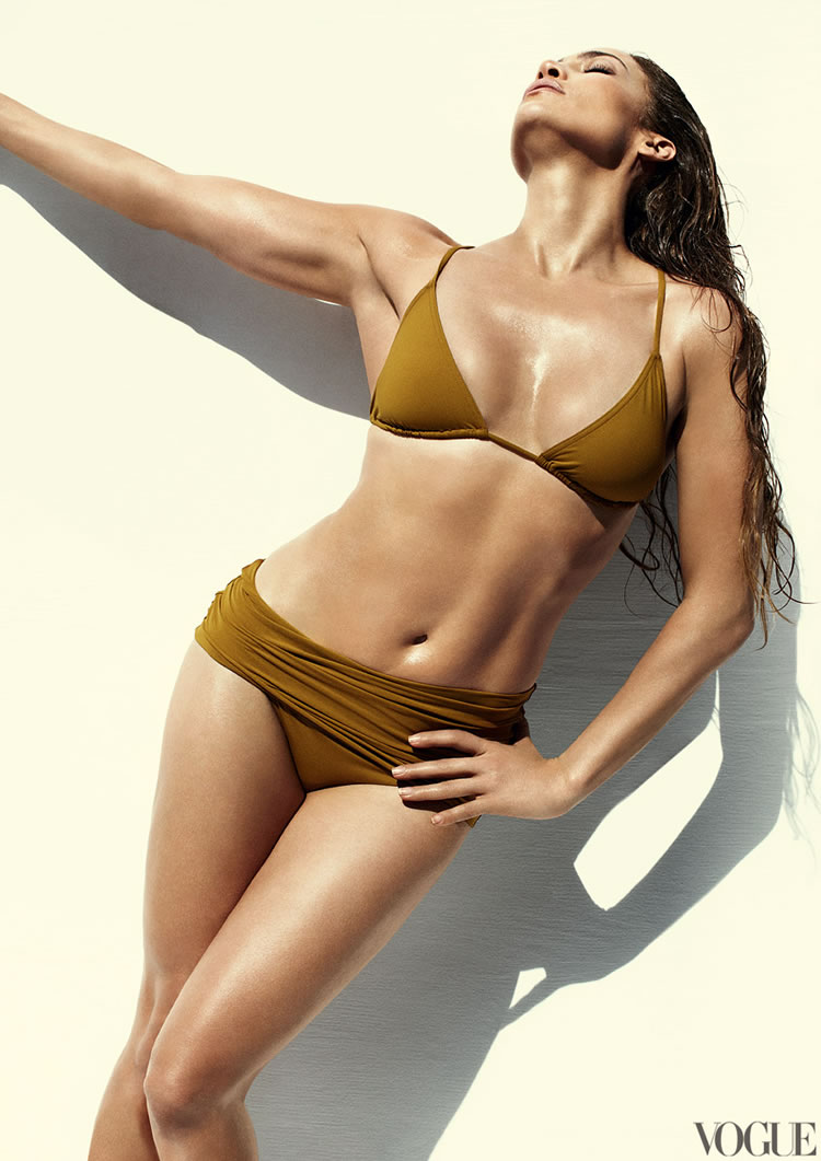 Vogue-US-June-2012-Jennifer-Lopez-Eres-Swimsuit