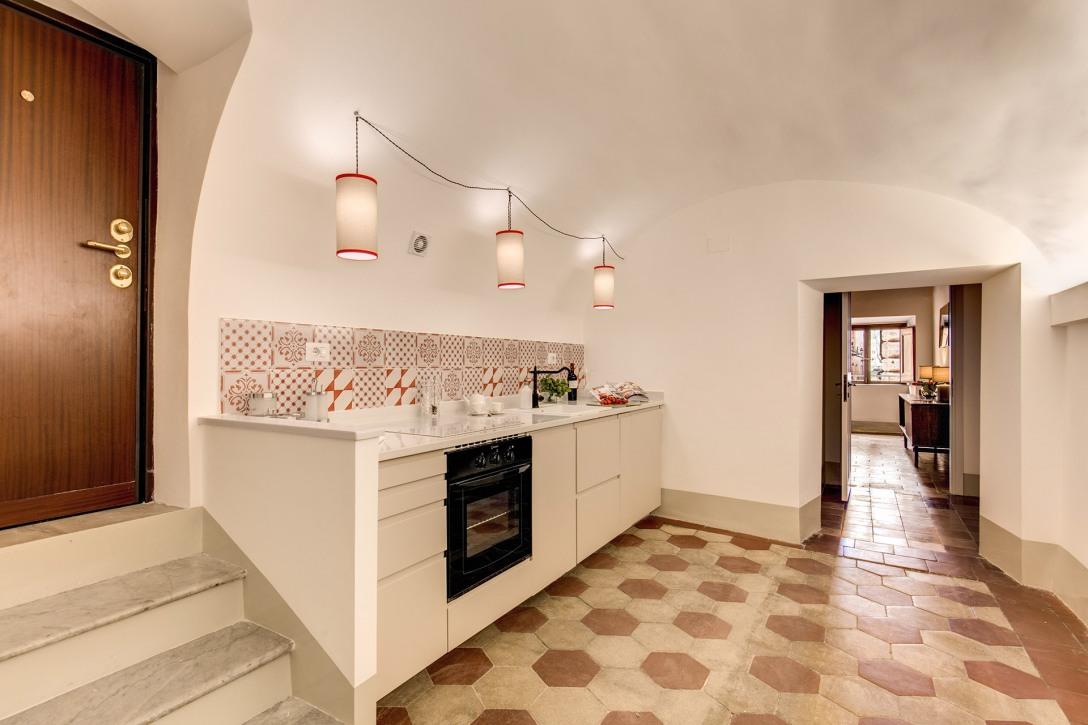 kitchen4wide.jpg
