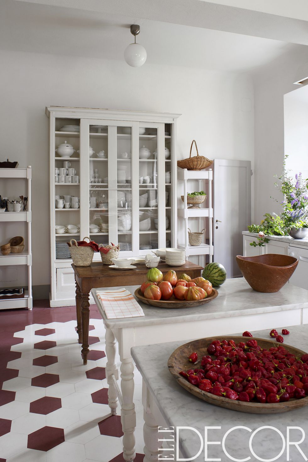 florence-estate-kitchen-1489515485.jpg